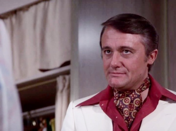columbo fashion robert vaughan