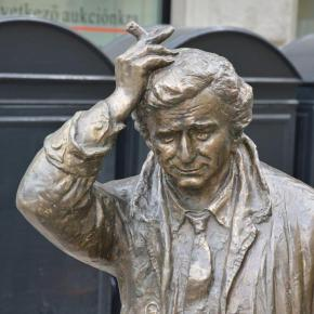 Why is there a Columbo statue inBudapest?